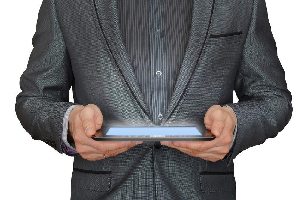 Pourquoi investir dans un écran interactif tactile ?
